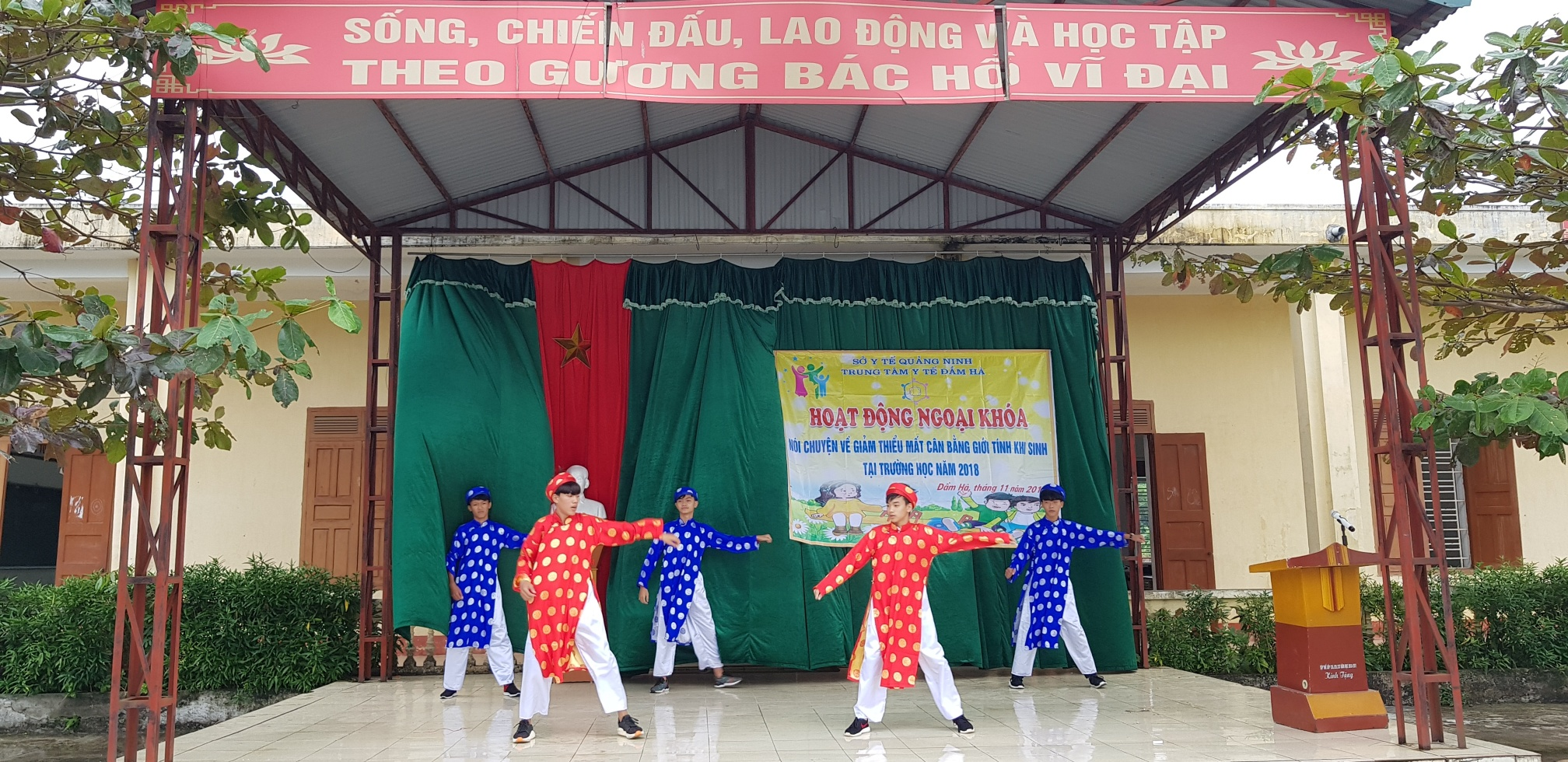 Trung tâm y tế huyện Đầm Hà tổ chức nói chuyện chuyên đề về mất cân bằng giới tính khi sinh tại trường học năm 2018